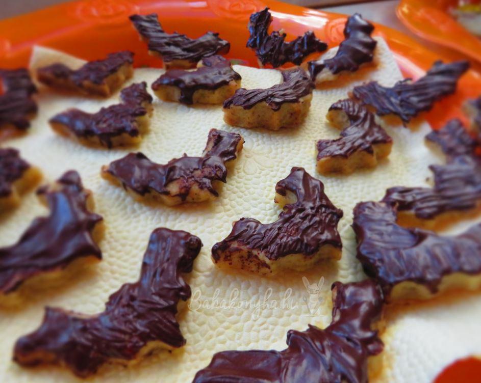 halloween csokis denever babakonyha mentes